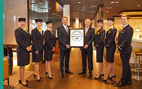 Lufthansa: la primera y única línea aérea europea con el sello de 5 Estrellas Skytrax, lo que la convierte en una de las 10 mejores del mundo